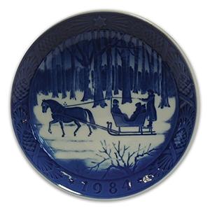 Royal Copenhagen Porcelain Plate - Christmas 1984