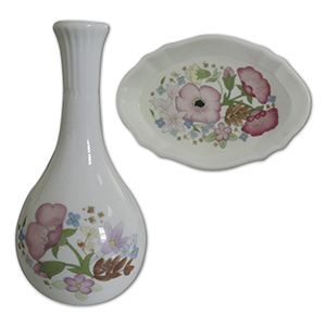 Wedgwood Sweet Meadow Vase & Pin Tray
