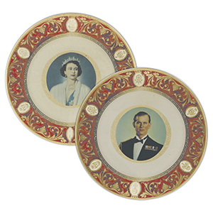 Queen Elizabeth & The Duke of Edinburgh Metal Plates - Set of 2