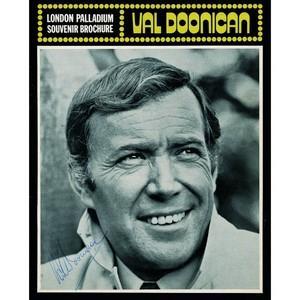 Val Doonican Signed Souvenir Brochure