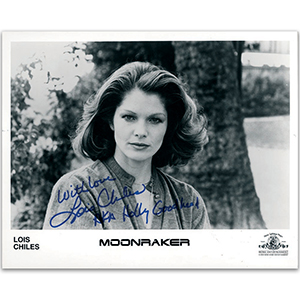 Lois Chiles - Autograph - Signed Black and White Photograph