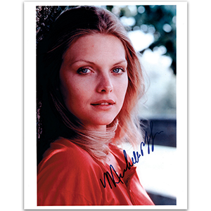 Michelle Pfeiffer - Autograph - Signed Colour Photograph