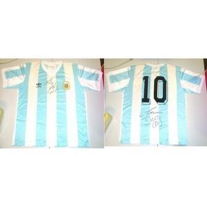 Diego Maradona - Autograph - Signed Shirt