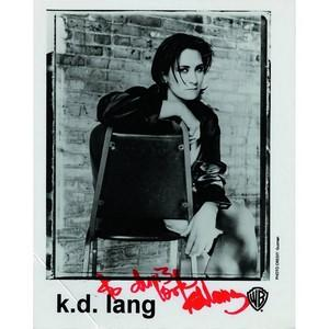 K.D Lang - Autograph - Signed Colour Photograph