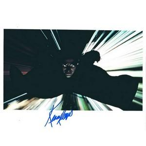 Keanu Reeves - Autograph - Signed Colour Photograph