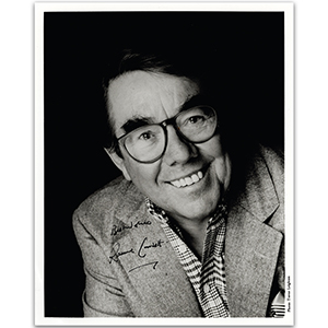 Ronnie Corbett - Autograph - Signed Black and White Photograph