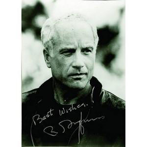 Richard Dreyfuss - Autograph - Signed Black and White Photograph