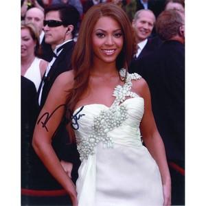 Beyoncé - Autograph - Signed Colour Photograph