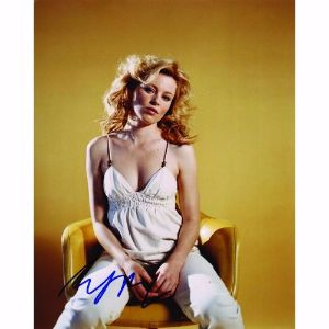 Elizabeth Banks  - Autograph - Signed Colour Photograph