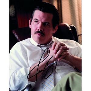 Josh Brolin - Autograph - Signed Colour Photograph