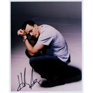 Hank Azaria - Autograph - Signed Colour Photograph