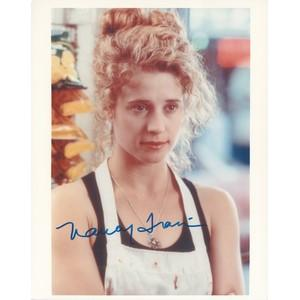 Nancy Travis - Autograph - Signed Colour Photograph