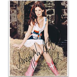 Amy Nuttall - Autograph - Signed Colour Photograph