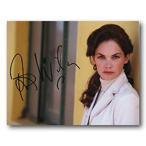 Ruth Wilson - Autograph - Signed Colour Photograph