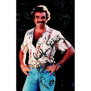 Tom Selleck - Autograph - Signed Colour Photograph