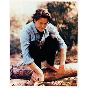 Hugh Grant - Autograph - Signed Colour Photograph