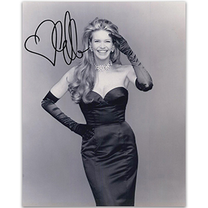 Elle Macpherson - Autograph - Signed Black and White Photograph