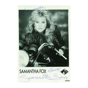 Samantha Fox - Autograph - Signed Black and White Photograph