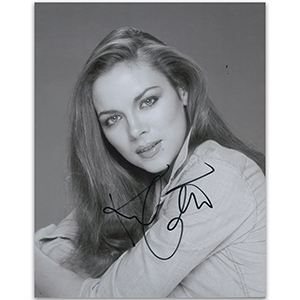 Kim Cattrall - Autograph - Signed Black and White Photograph