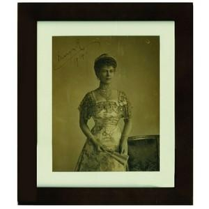 Queen Mary - Autograph - Signed Black and White Photograph