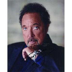 Tom Jones - Autograph - Signed Colour Photograph