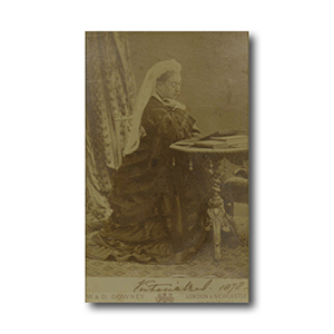 QUEEN VICTORIA - Signature - Signed Black and White Photograph