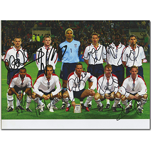 England Football Squad 2003 & 2004 - Autograph - Signed Colour Photograph