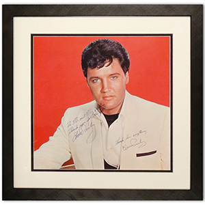 Elvis Presley - Autograph - Signed Colour Photograph
