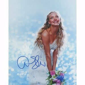 Amanda Seyfried Autograph Signed Photograph