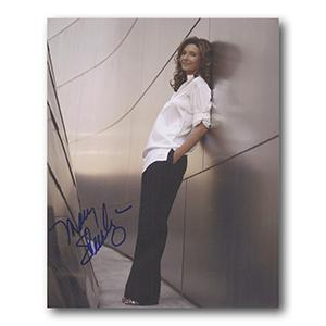 Mary Steenburgen Autograph Signed Photograph