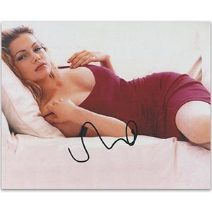 Michelle Williams Autograph Signed Photograph